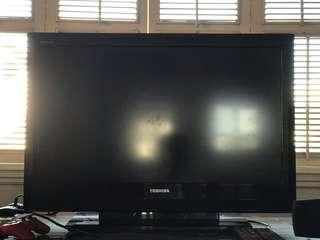 "Flatscreen Toshiba 32"" LED TV"