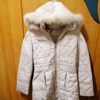 🚚 【sigmanet家庭百貨】八成新伊蕾米白色長版羽絨女用外套