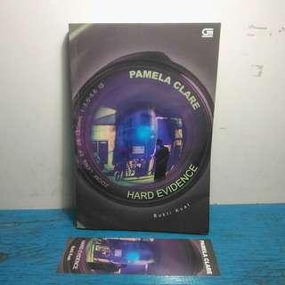 Novel Dewasa Hard Evidence Bukti Kuat Pamela Clare Action Romance Terjemahan Gramedia Bekas Second Murah