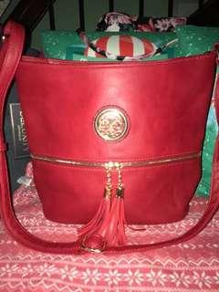 Deluxity sling bag