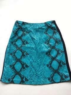 Snake skin pattern short skirt