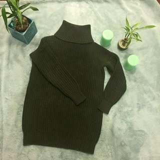 ✨SALE 💥- Olive green sweater from JoeFresh XS