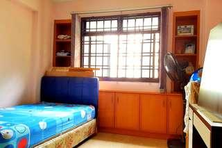 3min to Rivervale Mall Room Rental