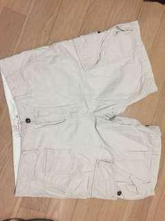 Men's H&M khaki cargo short 33 waist as new