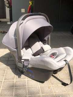 Nuna Pipa Lite car seat & isofix base