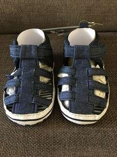 Brand new Primark baby shoes US 4