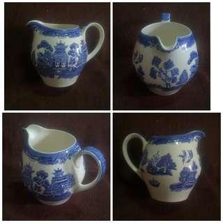 Authentic Vintage Old Willow Alfred Meakin England Ceramic Jug / Pitcher