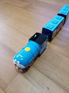 Tomy 叮噹火車