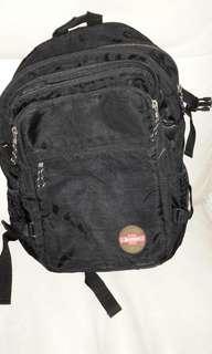 Jantzen背包二手八成新黑色12×16寸西貢區