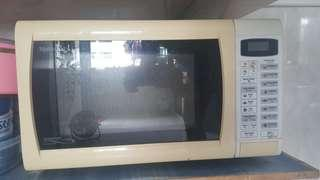 Microwave used less then 30 time