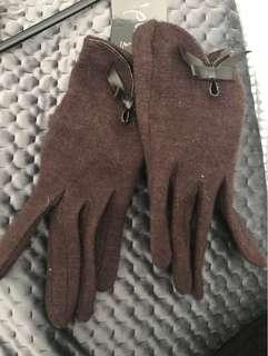 Women's Gloves Size M Brown Chocolate