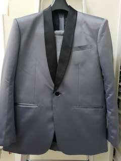 Men's Suit Size 42 Used