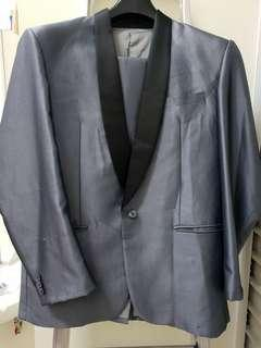 Semi Formal suit size L