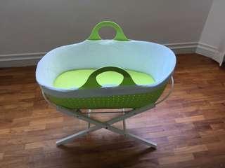 Moba bassinet + stand + mattress + sheets