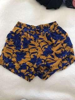 High waisted floral shorts size 6