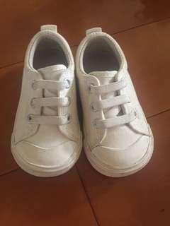 🚚 無印良品.嬰幼兒百搭白鞋