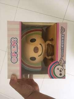 Open Chan coin banks and lock Chan plush toy