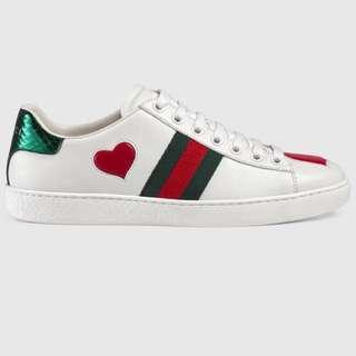 GUCCI SNEAKERS SIZE 38 (fits 39/ size 8)