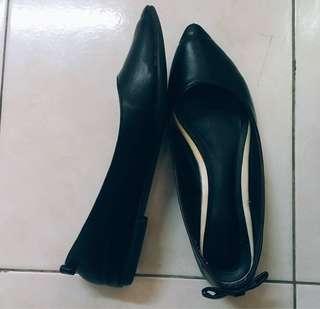 Flat Shoe Vincci Black (ribbon🎀 at the back)