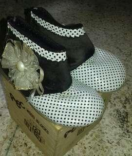 Sepatu Bayi Perempuan uk. 22