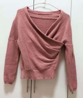 🚚 厚針織短版粉色上衣