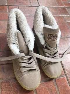 Renben Sepatu Winter