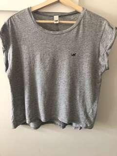 Lee cropped T-shirt in grey size AU12