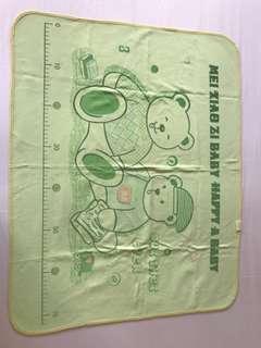 Sleeping waterproof mat for baby (75*60cm)