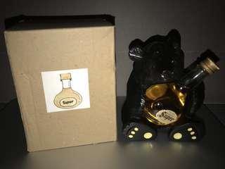 全新有盒 余市竹鶴酒廠限定 抱抱熊 擺設 (跟Nikka Super Rare Old 日本威士忌) 竹鶴17