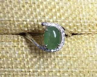 天然翡翠A貨冰綠大蛋面925銀鑲嵌戒指