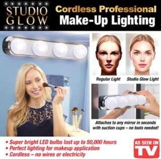 CNY Flash⚡️Sales 🔥Brand new Cordless Professional Make up lighting / Portable Lightning Battery Powered.