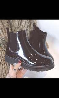 🚚 Black Korean Boots
