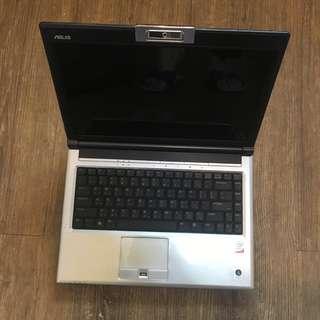華碩【ASUS】F8V系列F84SRP84DD(誘惑紅)筆記型電腦 (二手)