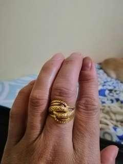 18k chinese gold ring 6'size negotiable ang price