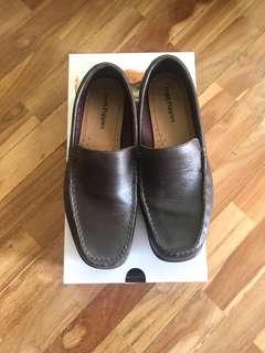 Hush Puppies authentic leather shoes