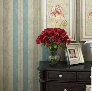 Classic Wood Grain Wallpaper