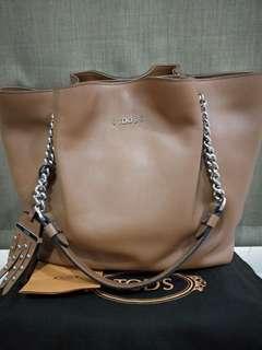 TOD Authentic Shoulder Bag