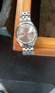 Jam tangan antik merk seiko