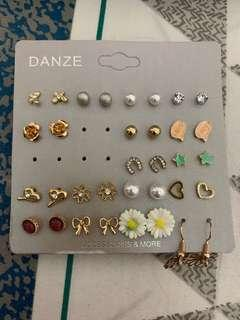17 pairs of earrings from H&M