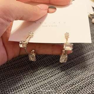 Nyu Nyu bling bling earrings from Korea