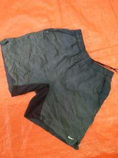 Nike short pants size 27-32
