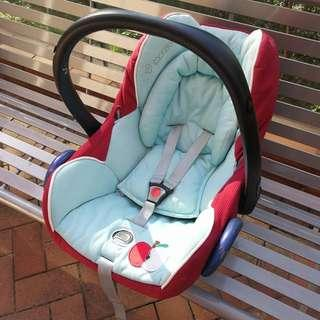 Maxi Cosi Baby New Born Car Seat Cabriofix Limited Edition Apple Mothercare BB Carrier 限量 特別版 蘋果 嬰兒 新生兒 手提籃 安全椅