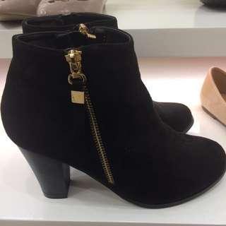 Sepatu Booth Marie Claire