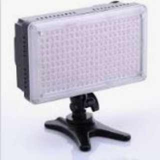 DVT210 LED Video Light