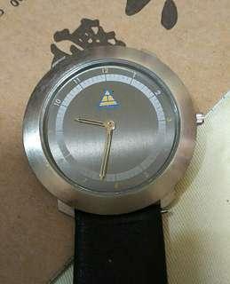 Pyramid logo thin watch
