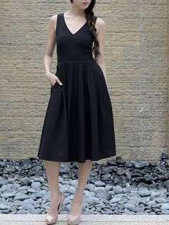 Midi v neck black dress