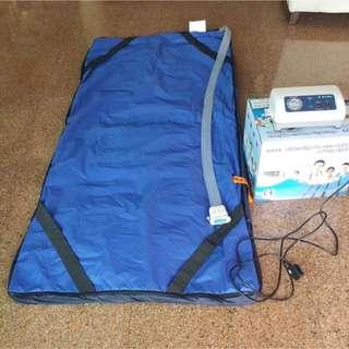 Almost New Blue Wave Mattress 6 feet by 3 feet with Pump System