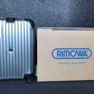 #Rimowa 與 Moncler 聯名行李箱