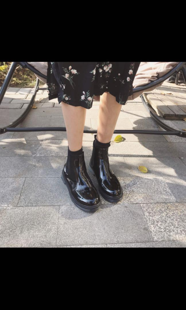 Black Korean Boots