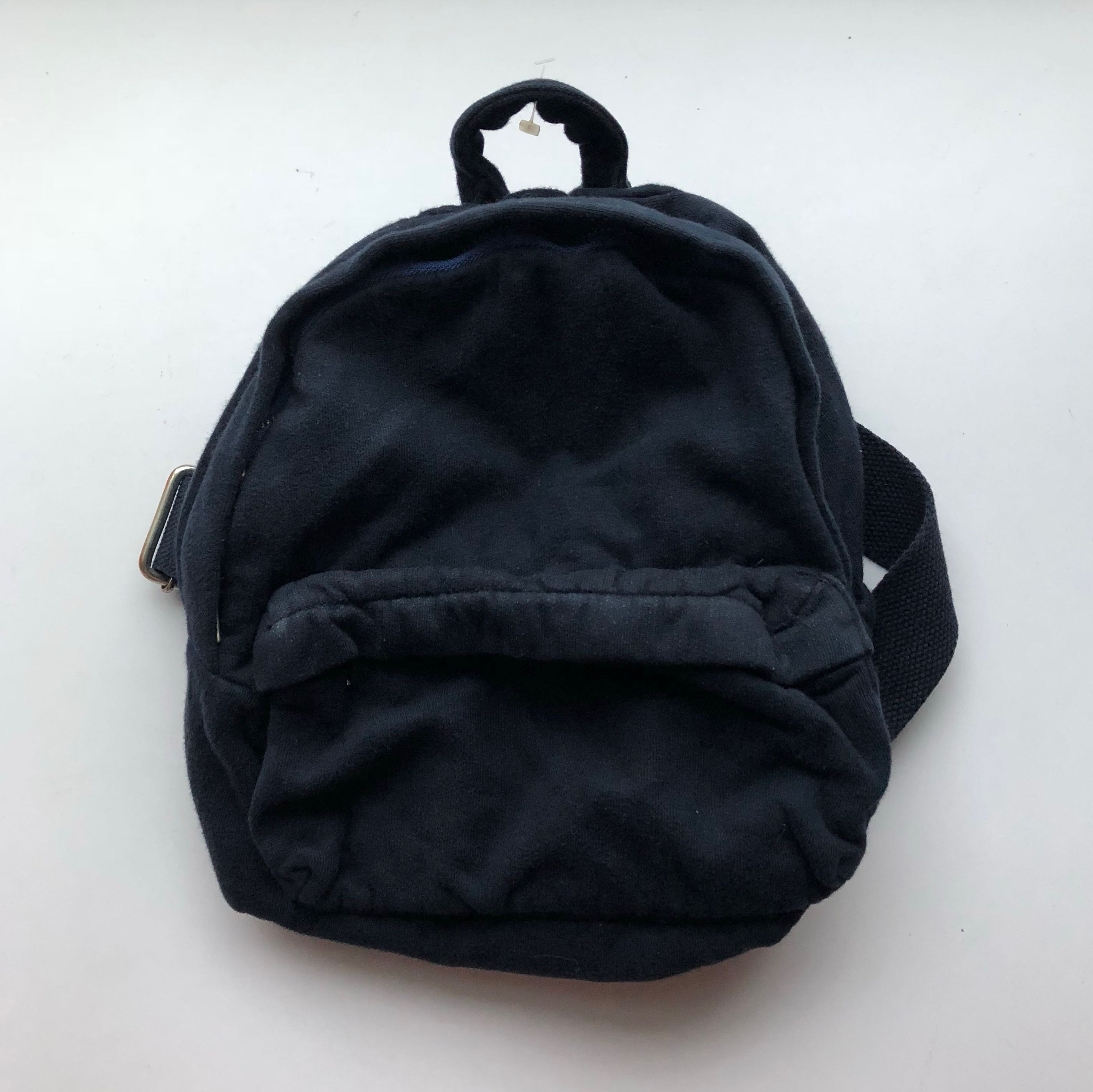 635c95626b bnwt brandy melville navy blue mini bagpack, Women's Fashion, Bags ...
